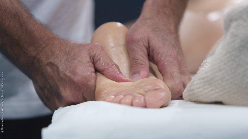 Gli Operatori Osteorelax Eseguono La Tecnica Secondo La Necessità E Gli Inestetismi Riscontrati Agendo Sul Rilassamento E Sul Benessere Sia Estetico Che Psicofisico Donando A Chi Si Sottopone Alla Seduta Di Osteorelax Una Migliore Salute E Aspetto Fisico.